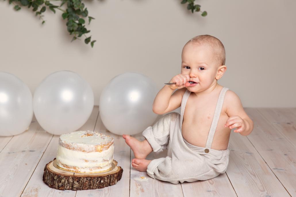 smash the cake fotografering